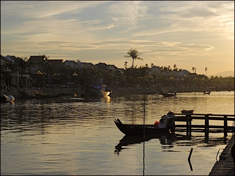 Scène de vie au bord de la rivière Thu Bon