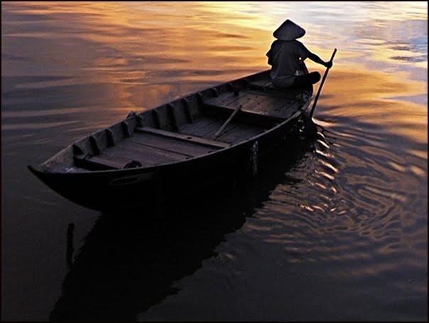 Le Rameur sur la rivière Thu Bon, Hoi An