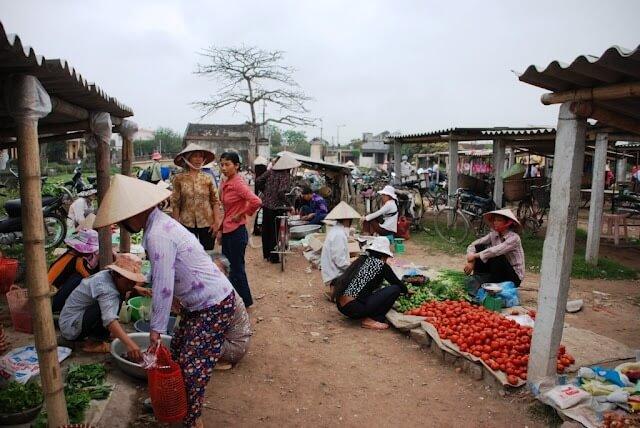Marché local à Non Khe