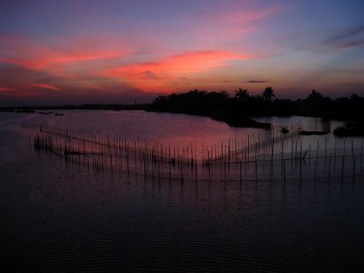Coucher du soleil sur la rivière Thu Bon