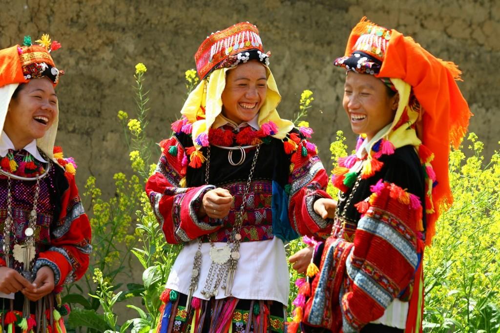 Les femmes Lolo avec leurs costumes traditionels pendant la fête
