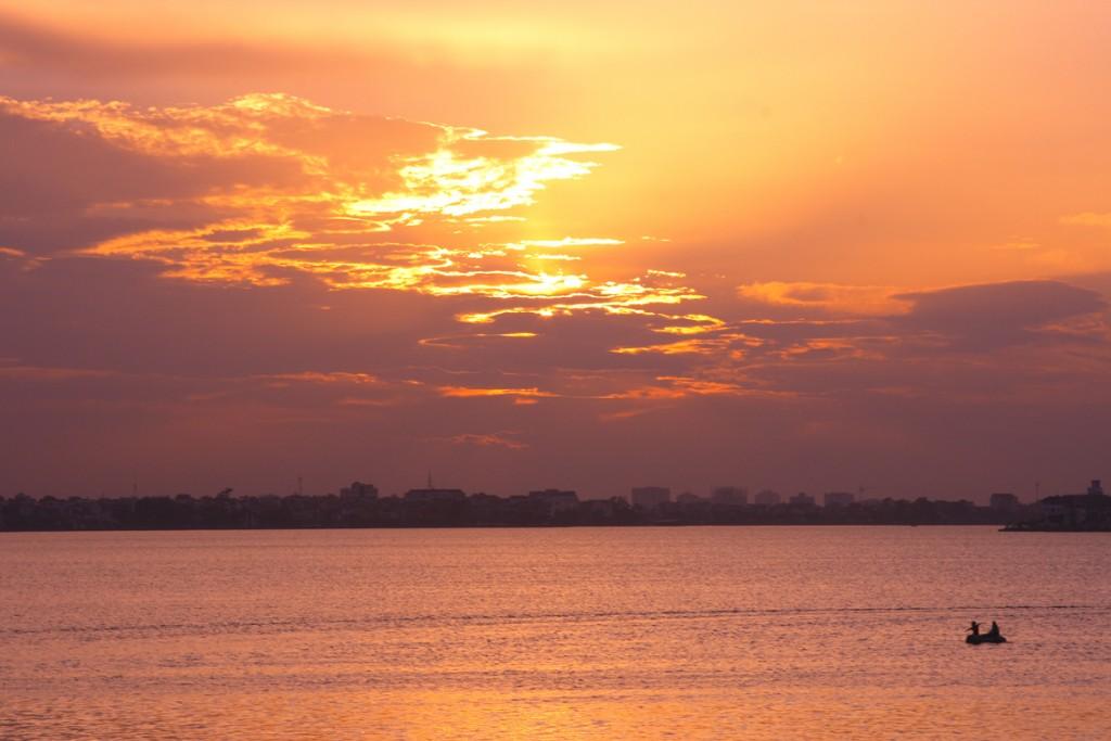 Coucher du soleil sur le lac de l'Où-Est