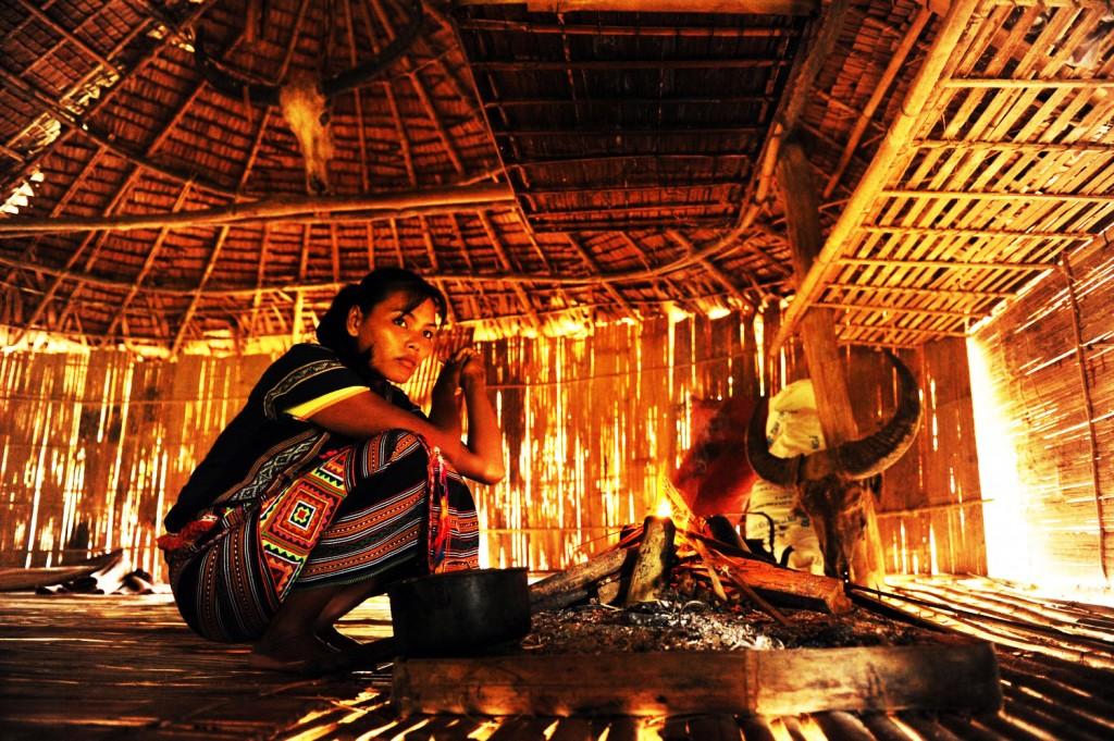 Une femme Maa dans la région des hauts plateaux