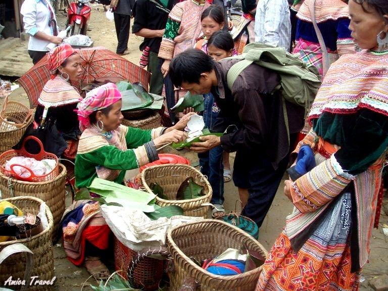 Marché de Lung Khau Nhin