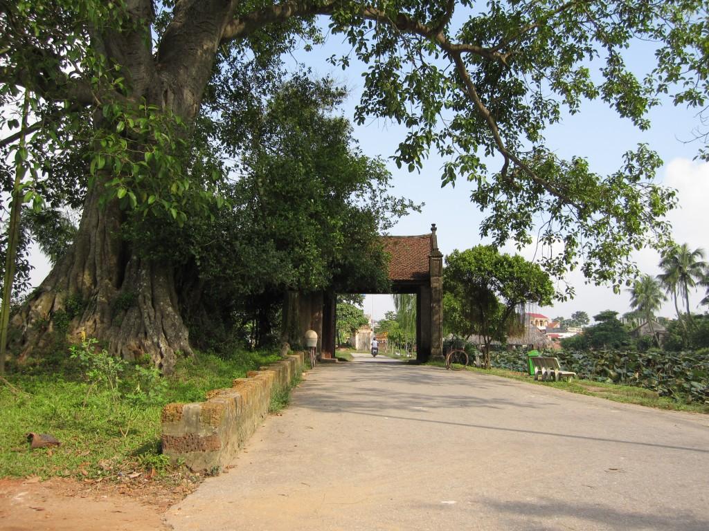 Porte du village Duong Lam