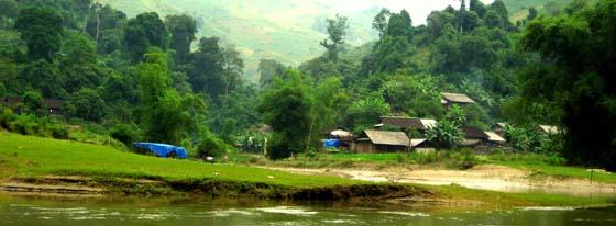 Villages-au-bord-du-lac-ba-be