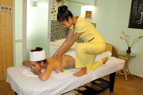 Position atypique pour faire un massage