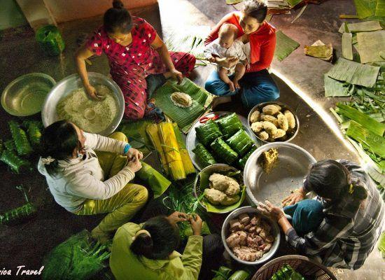 La préparation des banh chung, banh tet pour le Tet