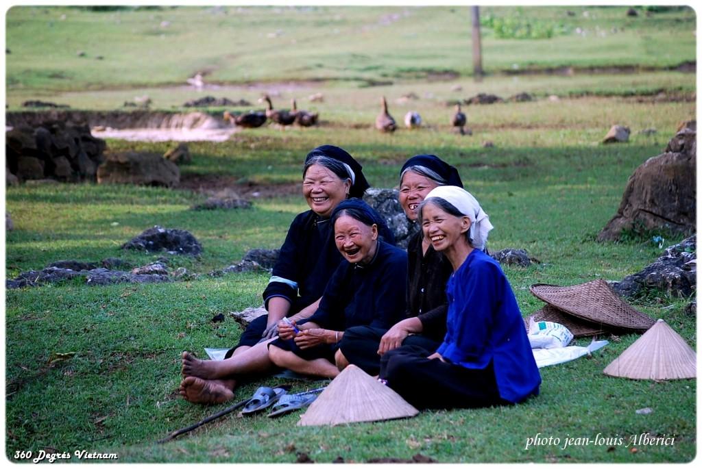 """Sourires des grandes mères - Concours """"Mon voyage au Vietnam"""""""