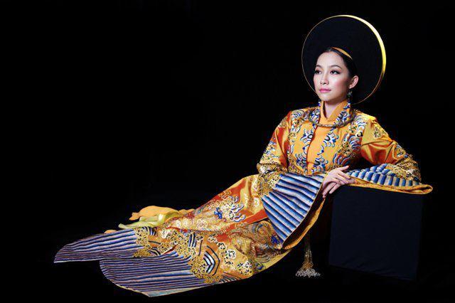 Tenue traditionnelle des femmes royales à l'époque