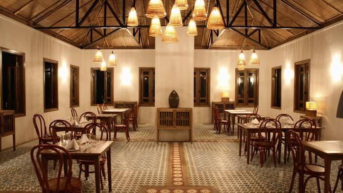 Le restaurant offre une vue imprenable sur les paysages entourant le site