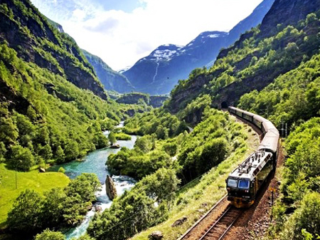 train Da Nang