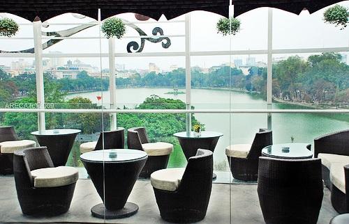 Avalon Café Lounge - restaurant avec vue sur le lac Hoan Kiem à Hanoi
