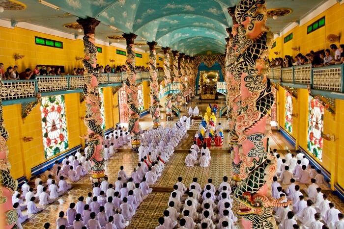 Messe au Grand Temple de Tay Ninh