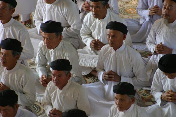 Fidèles - Grand Temple de Tay Ninh