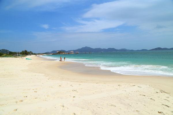 Superbe plage quasi déserte
