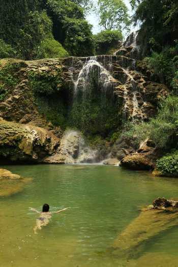 Baignade Suoi Mu Lodge séjour bien-être vietnam