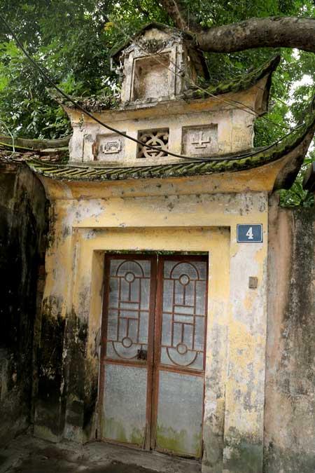 ancienne-porte-temple-familial-dong-ngac-hanoi