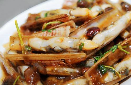 escargots avec une sauce du tamarin