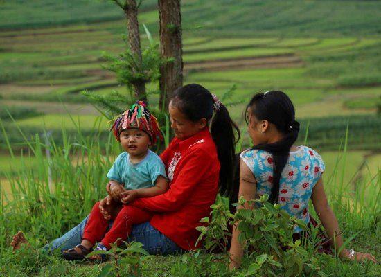 Enfant Dao avec ses soeurs