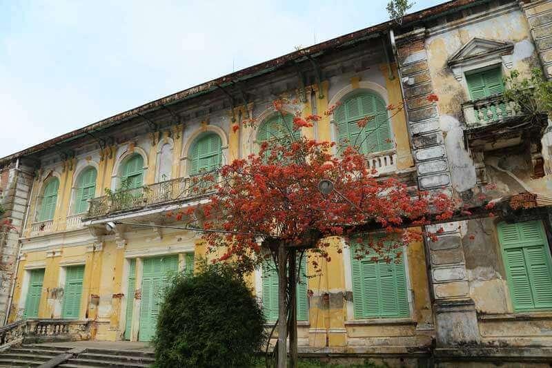 Ancienne maison qui a été construite sous l'époque coloniale