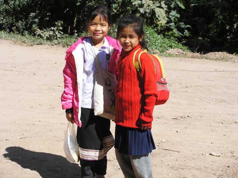 Écolières laotiennes