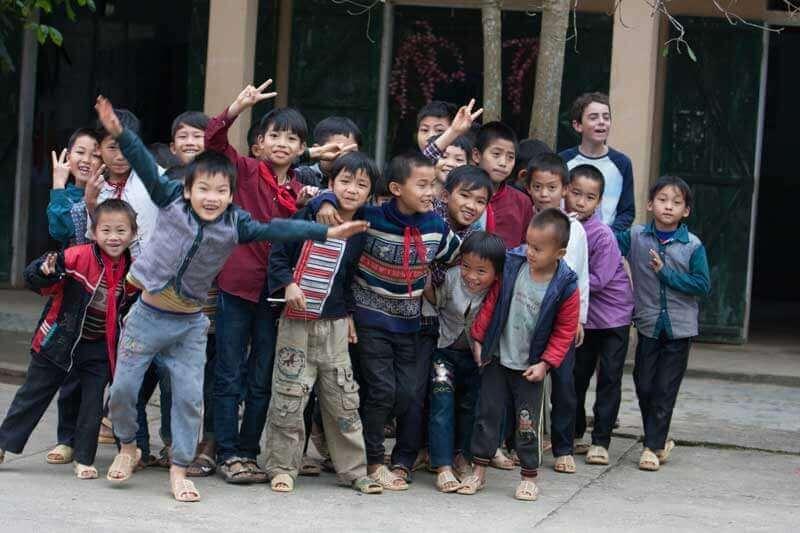 Salutations chaleureuses des enfants vietnamiens !