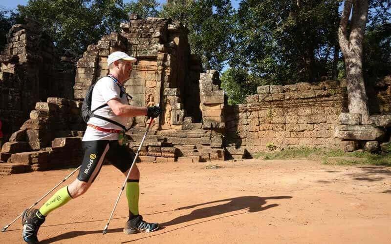 marche nordique dans les fabuleux temples d'Angkor